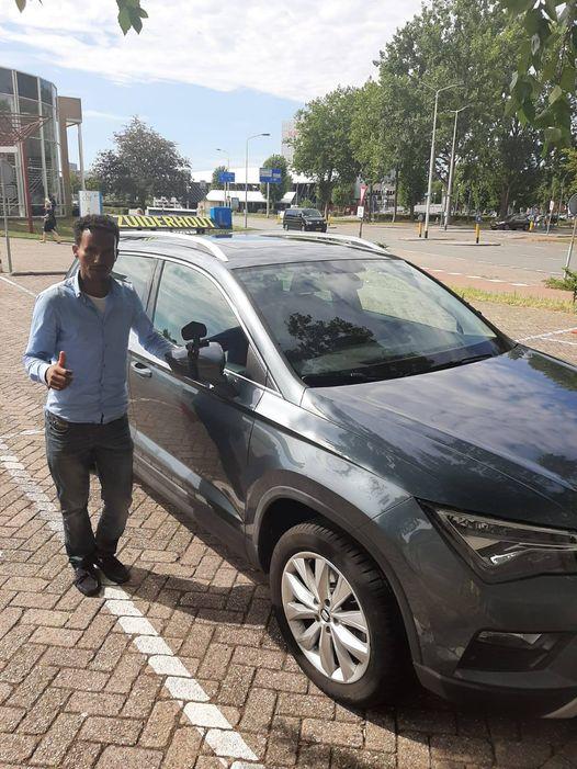 Geslaagd bij Autorijschool Zuiderhout_Samson.jpg